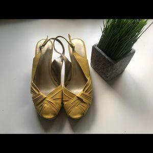 Nine West Yellow Wedge sandal size 8 1/2